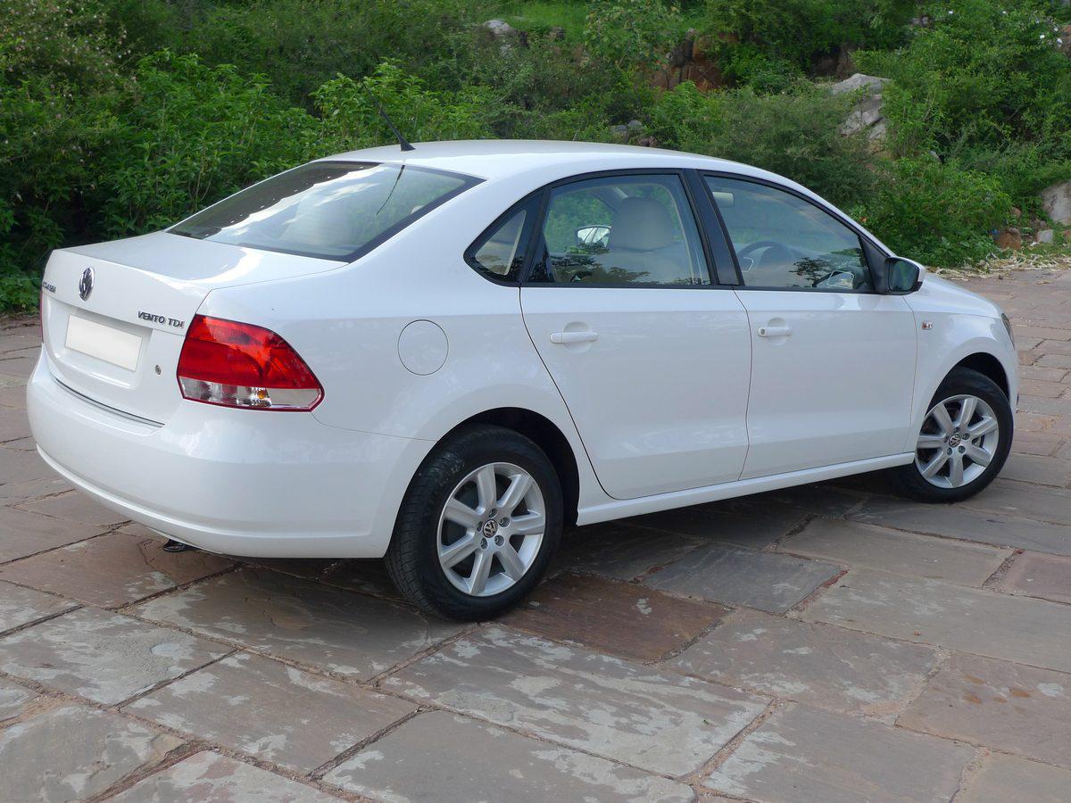 Best petrol car under 10 lakhs in india 13