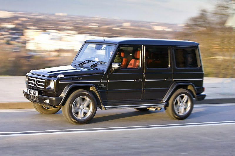 2010-Mercedes-G-Class-UK-Version-Front-Side-View