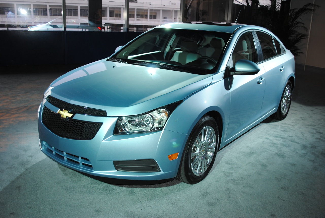 all about cars chevrolet cruze. Black Bedroom Furniture Sets. Home Design Ideas
