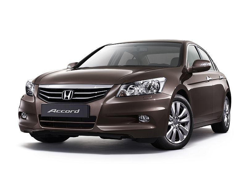 2011 honda accord facelift introduced in india. Black Bedroom Furniture Sets. Home Design Ideas