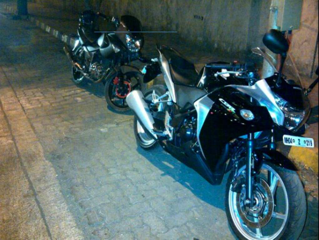 Honda_CBR250R_On_Road_Mumbai