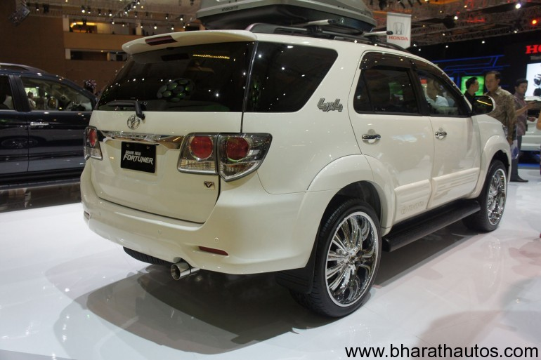 Also see - 2012 Toyota Innova facelift revealed at IIMS expected in