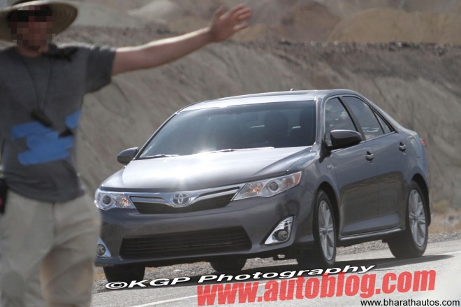 2012 Camry Hybrid - Front