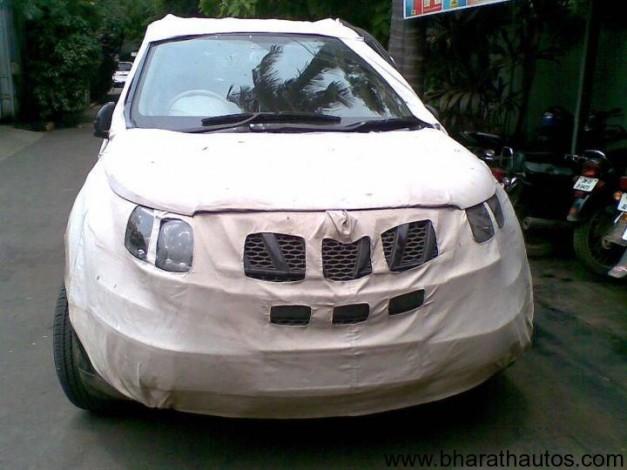 Mahindra XUV500 - FrontView