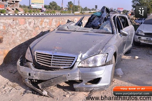 Nirmal-Saraf-Mercedes-Accident-Jaipur-001