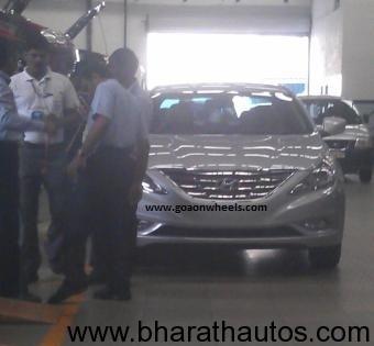 Hyundai-Sonata-spotted-at-dealer