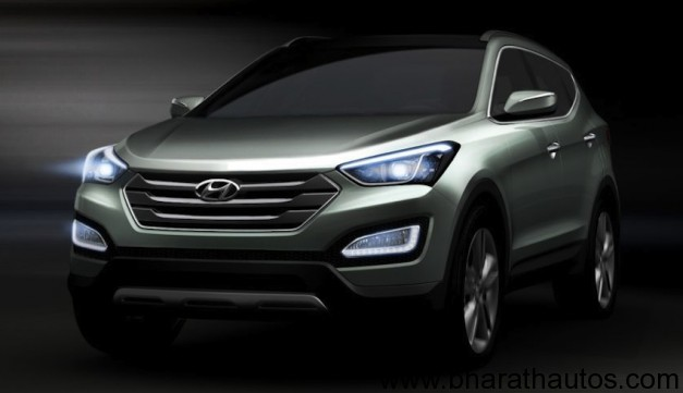 2013 Hyundai Santa Fe - FrontView