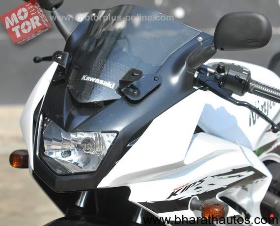Kawasaki Ninja 150 RR - 001