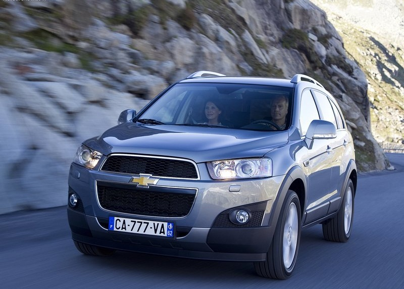 Chevrolet-Captiva_2012_800x600_wallpaper_0a