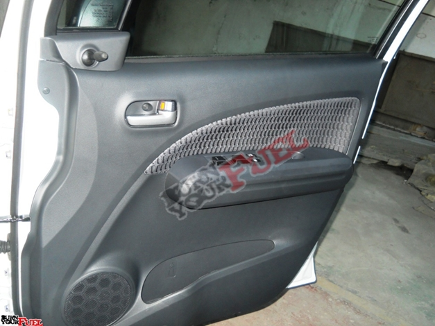 New Maruti Ritz - Door mounted speakers