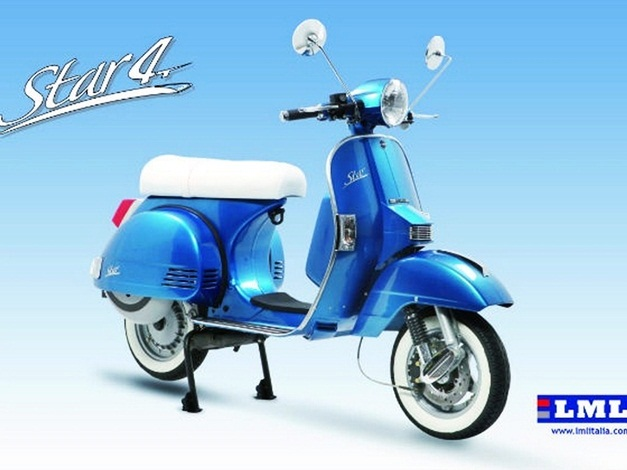 LML Star 125cc 4T Automatica Scooter - FrontView