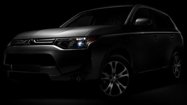 2014 Mitsubishi Outlander teased