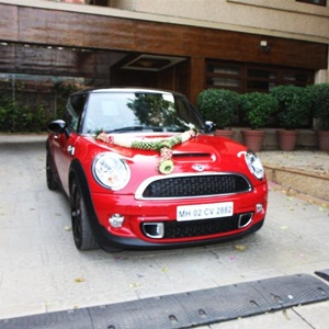 Aaradhya Bachchan's first birthday gift: Mini Cooper S