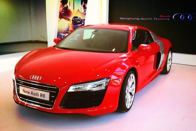 2013 audi r8 sportscar launched in india at rs crore. Black Bedroom Furniture Sets. Home Design Ideas