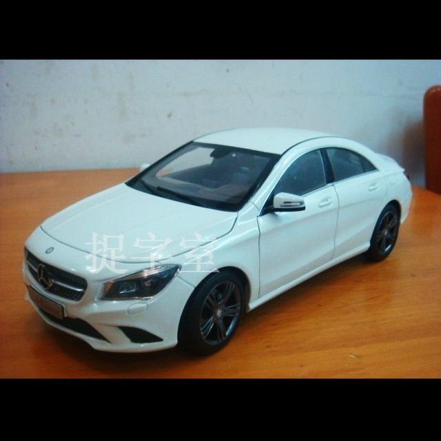 2014 Mercedes Benz CLA Sedan Scale Model