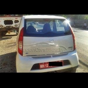 2013-Tata-Nano-Hatchback-Facelift-Spyshot-0
