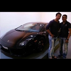John Abraham gifts himself a 2013 Lamborghini Gallardo LP 550-2 Coupe