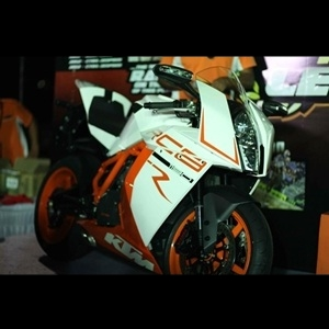 KTM 1190 RC8 R Superbike