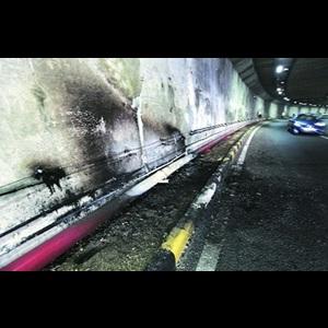 Honda Civic burn into flames at New Delhi, Owner dead!