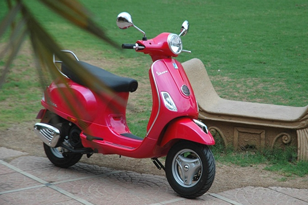 Piaggio Vespa Vx Unveiled Prices To Be Announced On 20th June