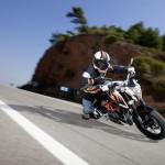 KTM_390_Duke_Action-3