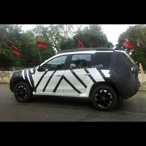 2013-Nissan-Terrano-India