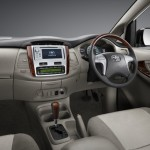 2013-toyota-innova-facelift-India-001