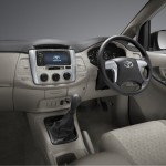 2013-toyota-innova-facelift-India-002