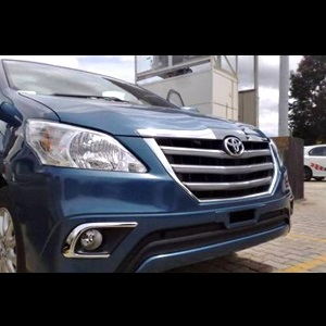 Toyota Innova facelift's new 'Z' variant reaches dealer yard