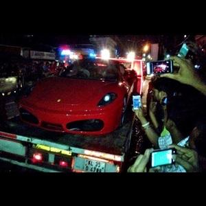 Toyota-MR2-Spyder-Ferrari-F430-Kerala