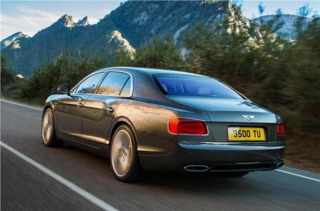 2014-Bentley-Flying-Spur-India-RearView
