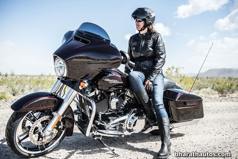 2014 Harley Davidson Street Glide Launched In India At Rs