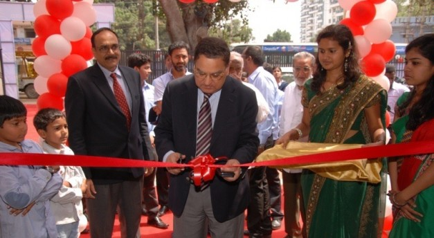 - mahindra-2-wheelers-inaugrated-3-new-dealerships-and-one-new-outlet-in-bangalore-627x344