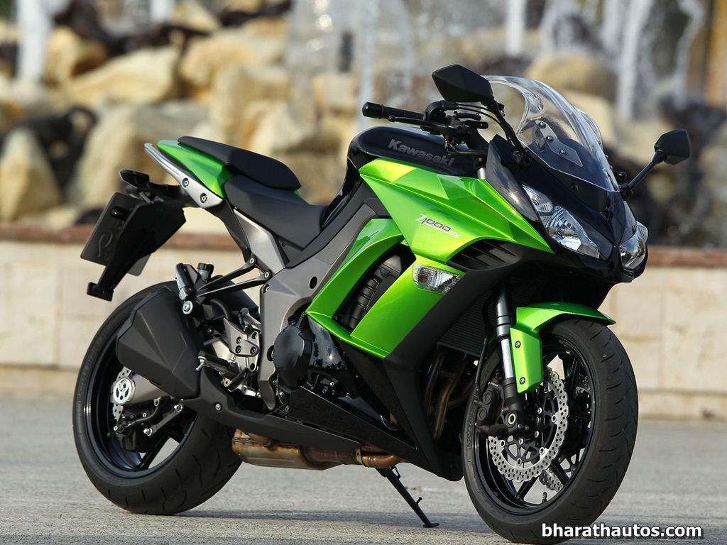 kawasaki reveals 2014 z1000 and z1000sx at the 2013 eicma. Black Bedroom Furniture Sets. Home Design Ideas