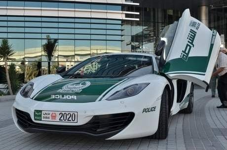 mclaren-mp4-12c-dubai-police-car-front-view