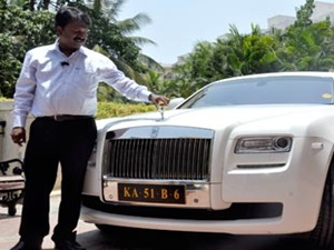 bangalores-billionaire-barber-owns-rolls-royce-ghost-200-other-cars