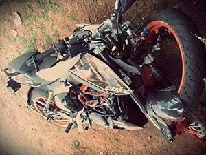 ktm-390-duke-wrecked-india