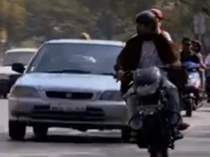 pune-traffic-police-comes-kolaveri-di-styled-song-promote-traffic-safety