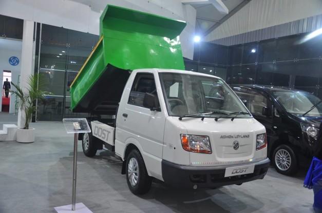 2014-auto-expo-ashok-leyland-dost