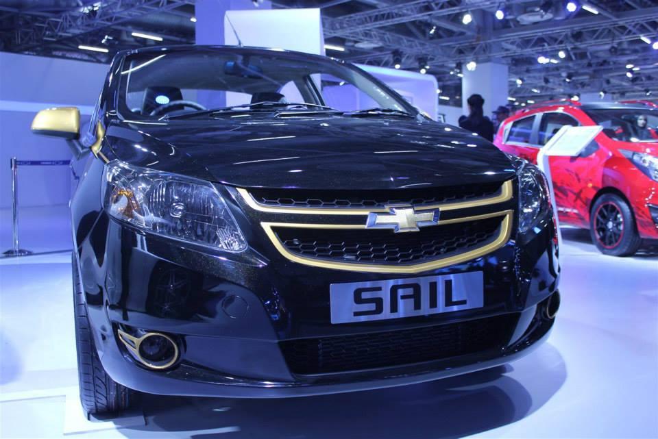 2014 Auto Expo - GM showcases Chevrolet Cruze Stealth & Chevrolet Sail Custom