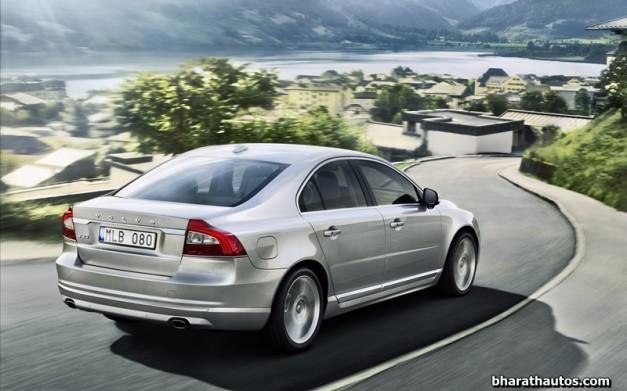 New-Volvo-S80-2014-India-rear