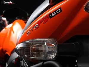 10-car-features-now-available-indian-two-wheelers