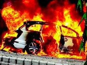 audi-q7-on-fire-no-one-injured