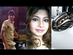 auto-rickshaw-driver-abusing-monaz-mevawala
