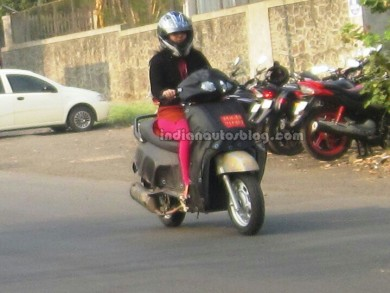 Mahindra-new-110-cc-scooter-spied-front-390x293