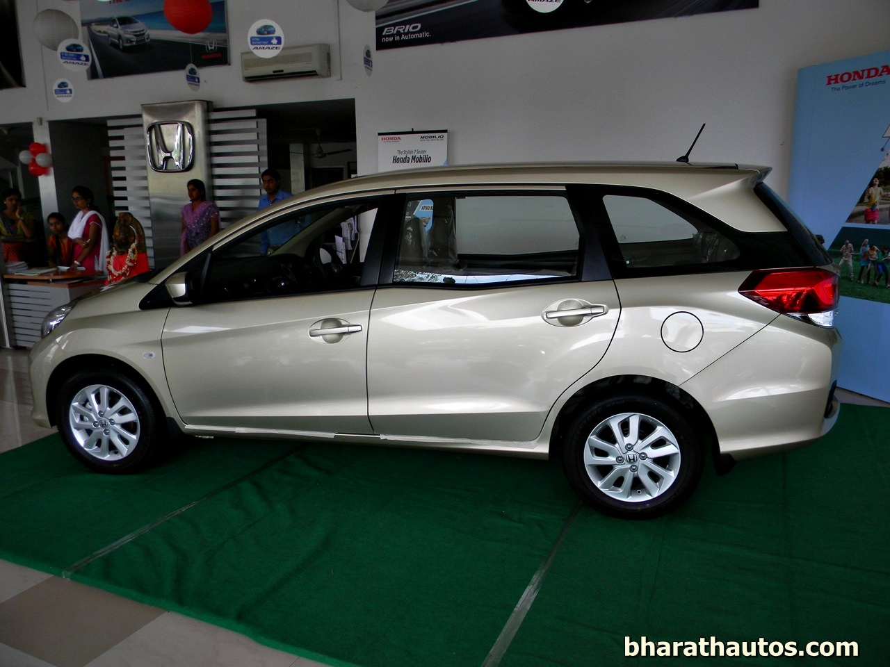 Honda Cars India Launched The 7 Seater Honda Mobilio Mpv