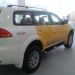 mitsubishi-pajero-sport-dual-tone-lemon-yellow-white-limited-edition-003