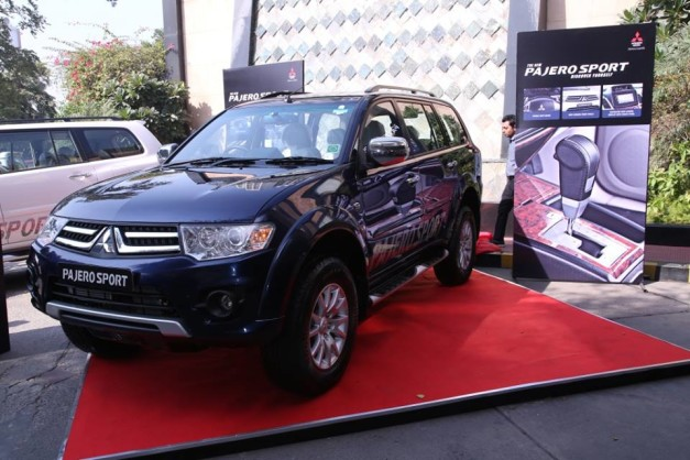 mitsubishi-pajero-sport-4x2-automatic-exterior-outside-india