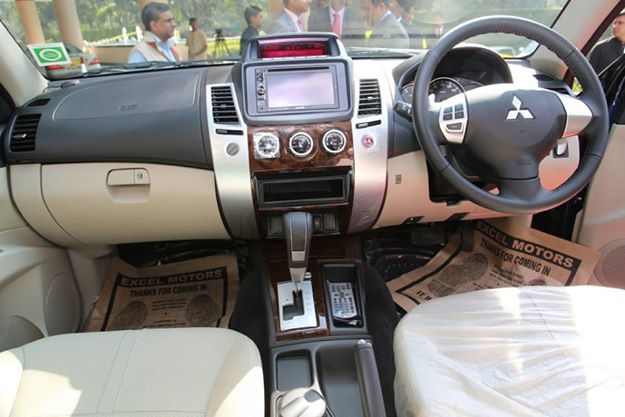 mitsubishi india launches pajero sport automatic priced at rs lakh. Black Bedroom Furniture Sets. Home Design Ideas