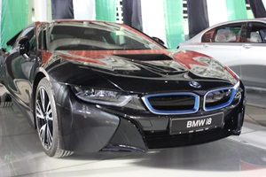 bmw-i8-hybrid-sportscar-india-spied